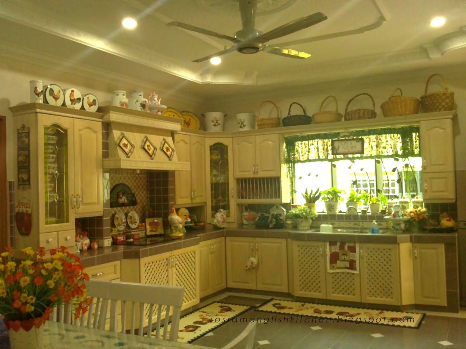 Perfect English Country Kitchen Cabinets 1600 x 1200 · 177 kB · jpeg