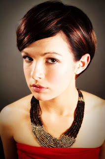 Potongan rambut pendek terbaru untuk wajah bulat gaya rambut pendek