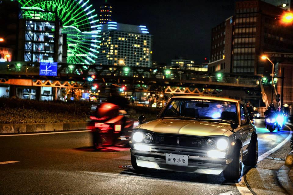 Nissan Skyline GT-R Hakosuka, samochód z duszą, Godzilla, dawne auta, ciekawe klasyki, JDM, nocna fotografia