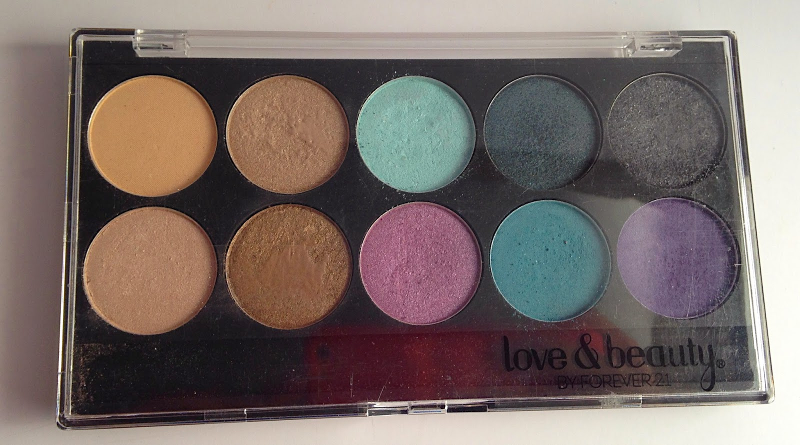 Forever 21 Love and beauty eye shadow palette