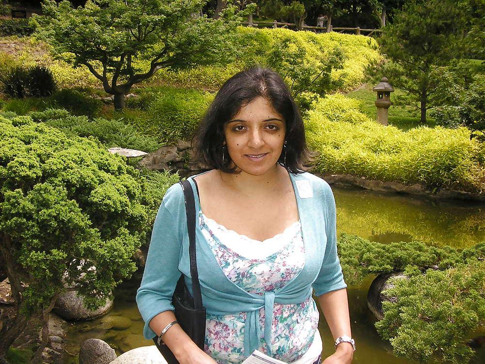 Indian aunty bra