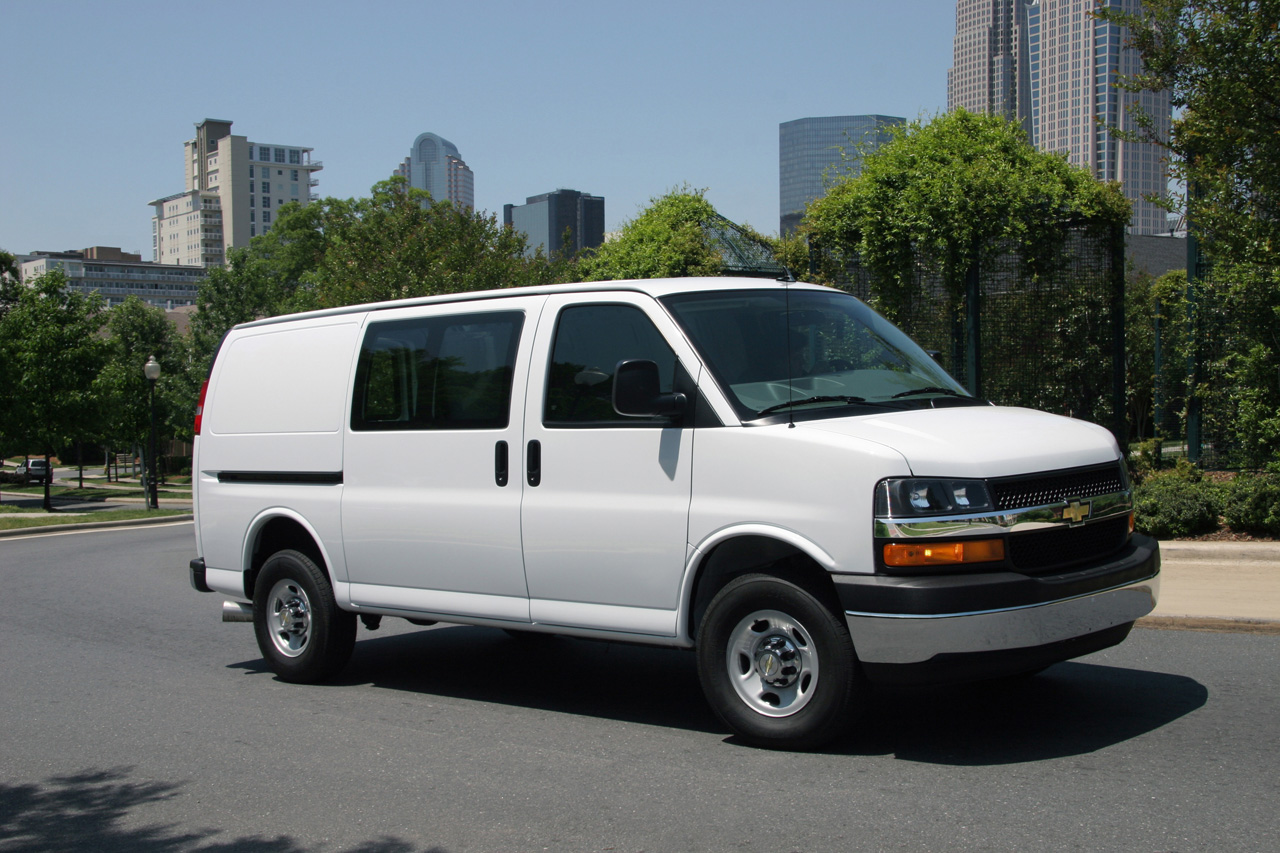 2013 Chevrolet Express Photos
