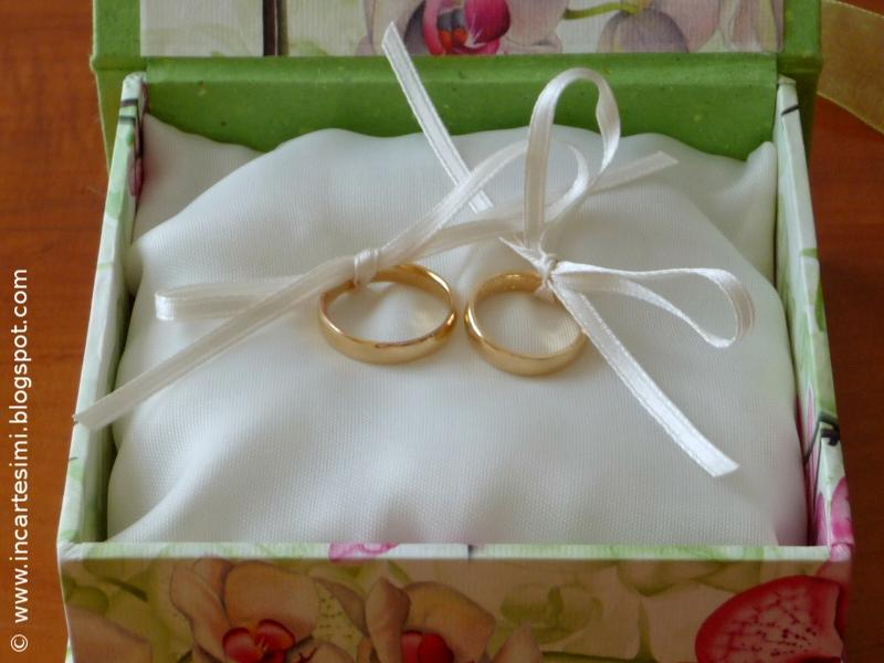 Incartesimi: Cerimonia civile: scatola con cuscino portafedi, libretti ...