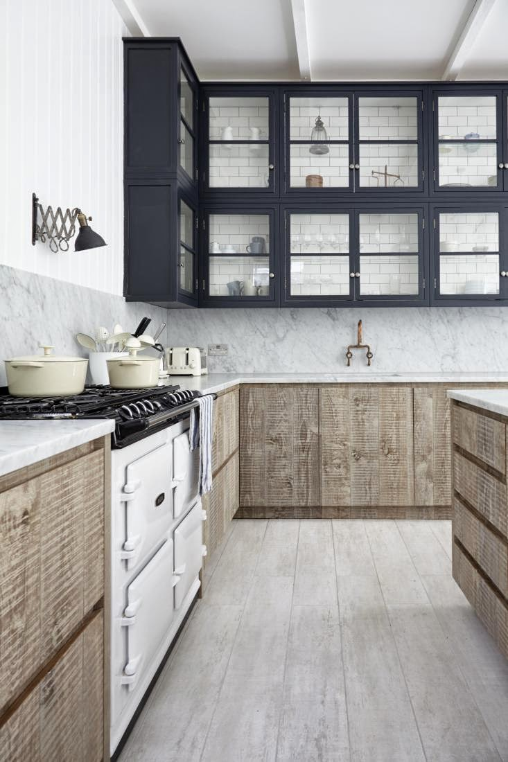 Decordemon rustic and industrial country house in london for Country industrial kitchen designs
