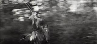 Toshiro Mifune Rokurota Makabe caballo samurai katana Misa Uehara Fortaleza Escondida