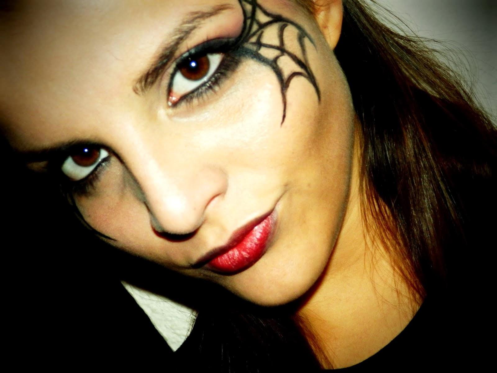 Maquillaje Halloween-Telarañas en los Ojos!