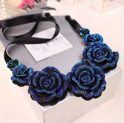 http://es.cndirect.com/hot-fashion-women-handmade-ribbon-gradual-resin-3d-rose-flower-necklace.html