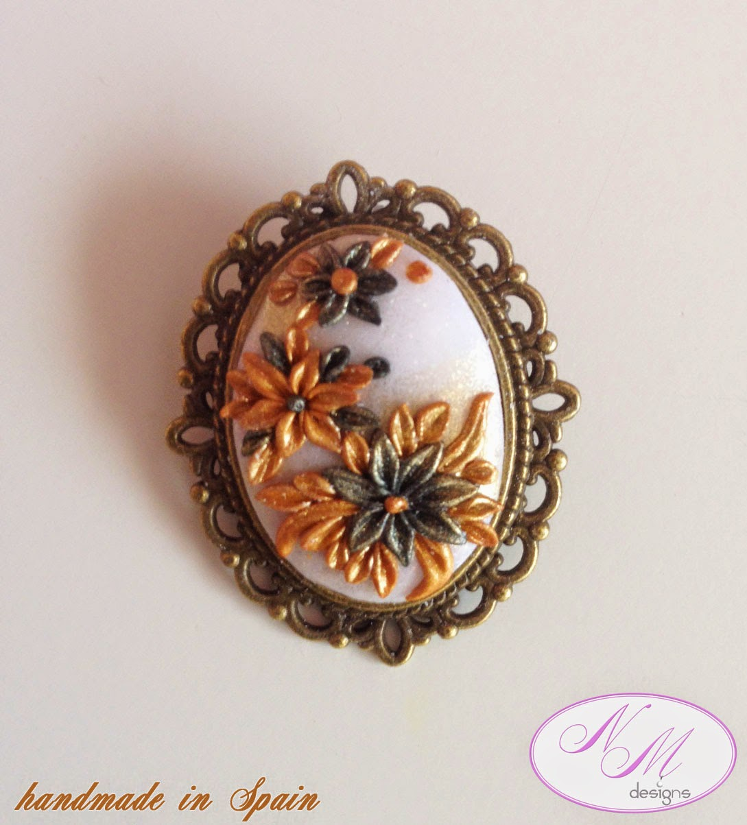 "Broche/Brooch ""Vintage"" NM Designs"