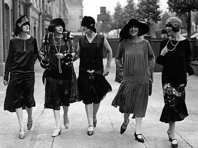 ... women's costumes. This look that we associate with the 1920s, was