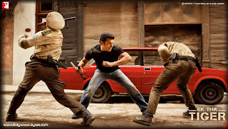 Salman Khan Fighting with police officers Wallpaper from Ek Tha Tiger