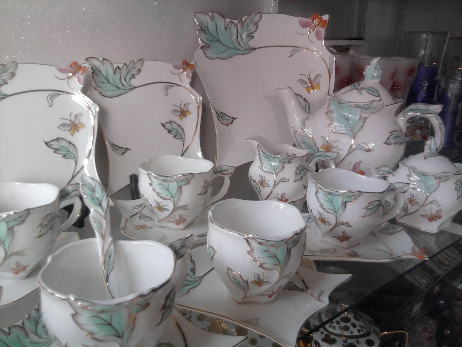 اختارى اجمل اطقم الشاى والجاتوه لكل عروسة بالصور