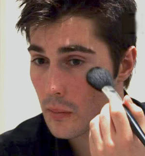 Should Men Wear Makeup?