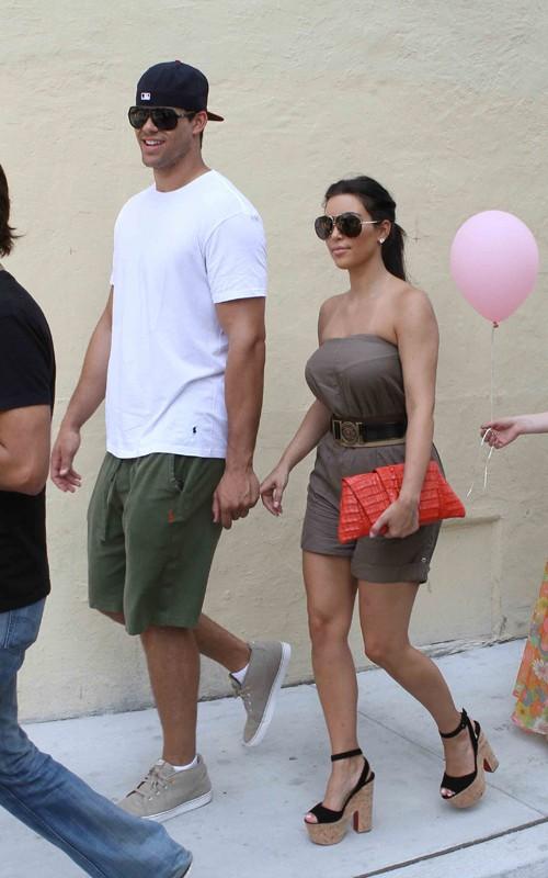 Spotted Kim Kardashian W Kris Humphries Everybodylovesb