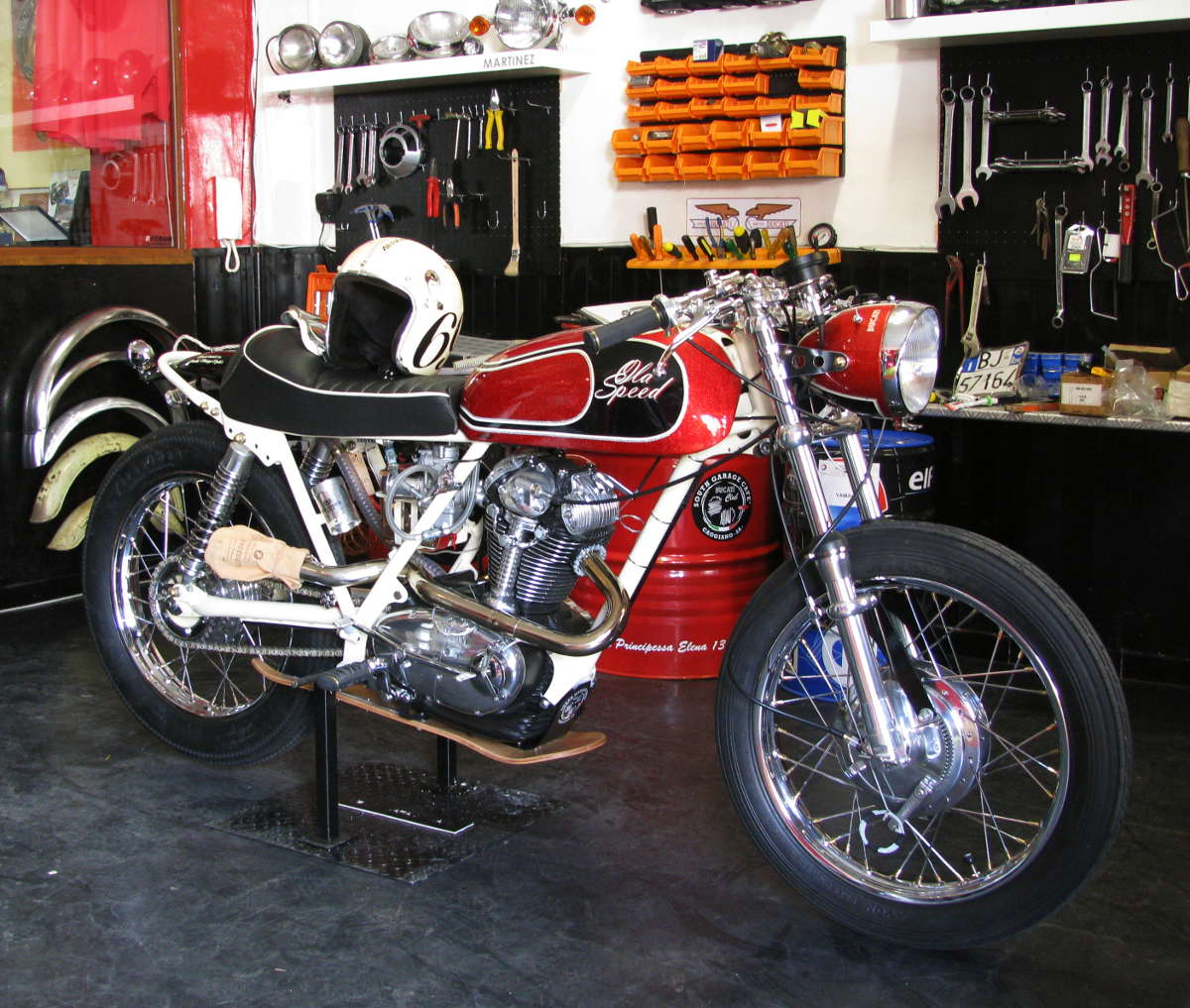 Ducati 749 Cafe Racer custom ~ Return of the Cafe Racers