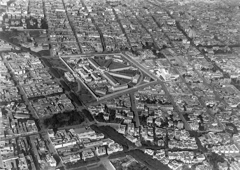 Red nuestras ciudades urbanismo en latinoam rica raras for Cementerio jardin de paz buenos aires