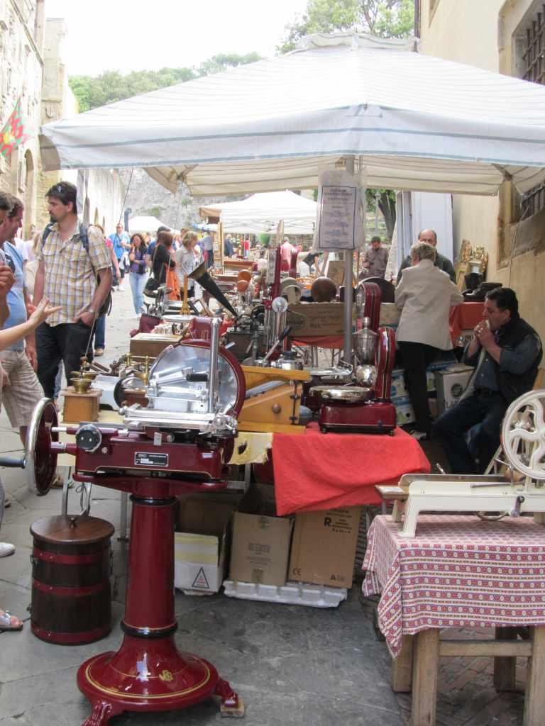 Rosso antico mercatino antiquariato di arezzo for Arezzo antiquariato