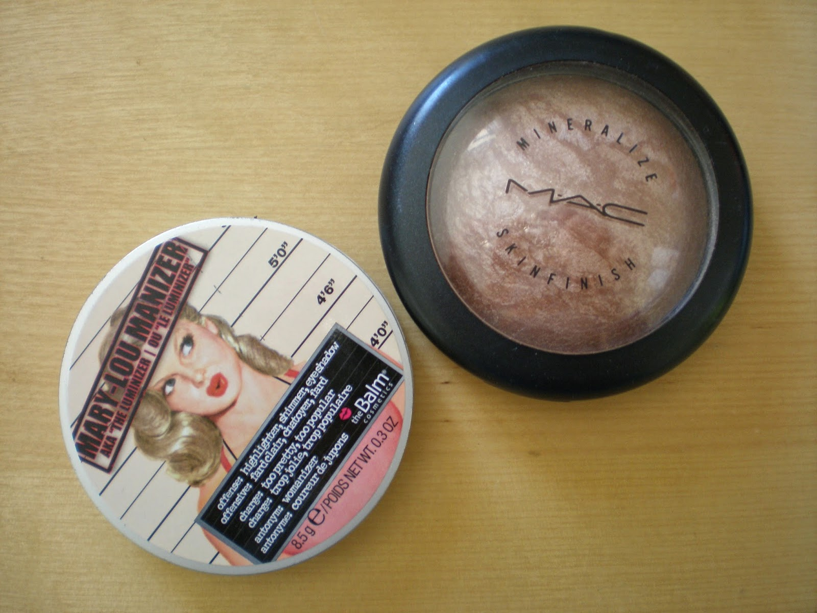 Bronzing and highlighting powders