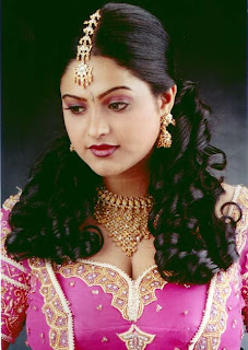 Raasi+Manthra+South+Indian+Telugu+Tamil+Actress+Hot+Cleavage+Photo+Still.jpg (446×628)