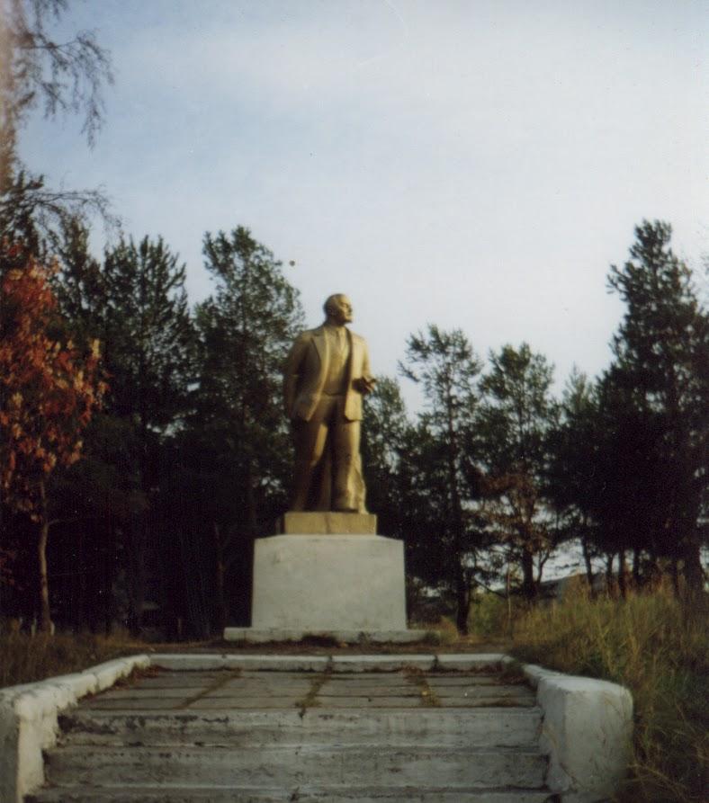 Памятники на могилу кандалакша цены на памятники брянск орша