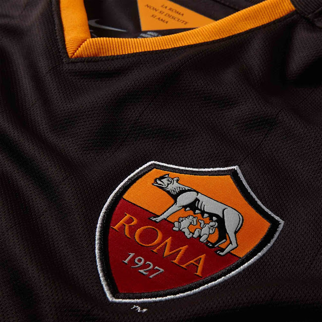 Nueva camiseta alternativa Nike de la AS Roma color negra