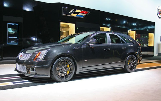 2011 cadillac CTS-V wagon black diamond edition front three quater view