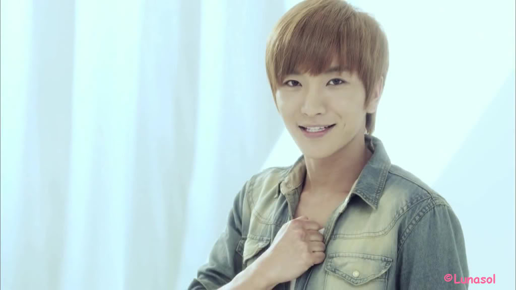 Hallyu Wave: Profile Leeteuk Super Junior