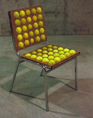 Sedia automassaggiante con le palline da tennis