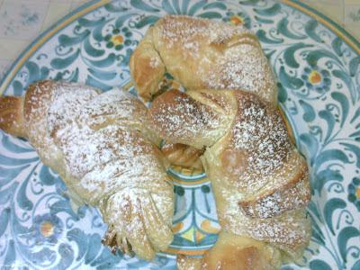 cornetti-croissant di pasta sfoglia