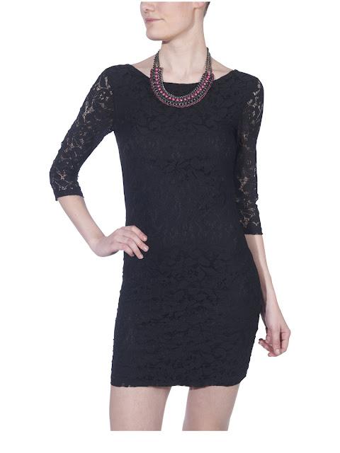 siyah gece elbiseleri, mavi elbiseler, kırmızı modeller ile koleksiyonu renklendiren Only, tül detaylar, transparan elbiseler, peplum elbise modelleri, kısa gece elbiseleri, önü uzun arkası kısa elbiseler, çiçek desenli modelleri, derin yırtmaçları, hoş dekolteleri, puantiyeli elbiseleri