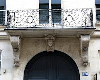 Balcon du 370 rue Saint-Honoré à Paris