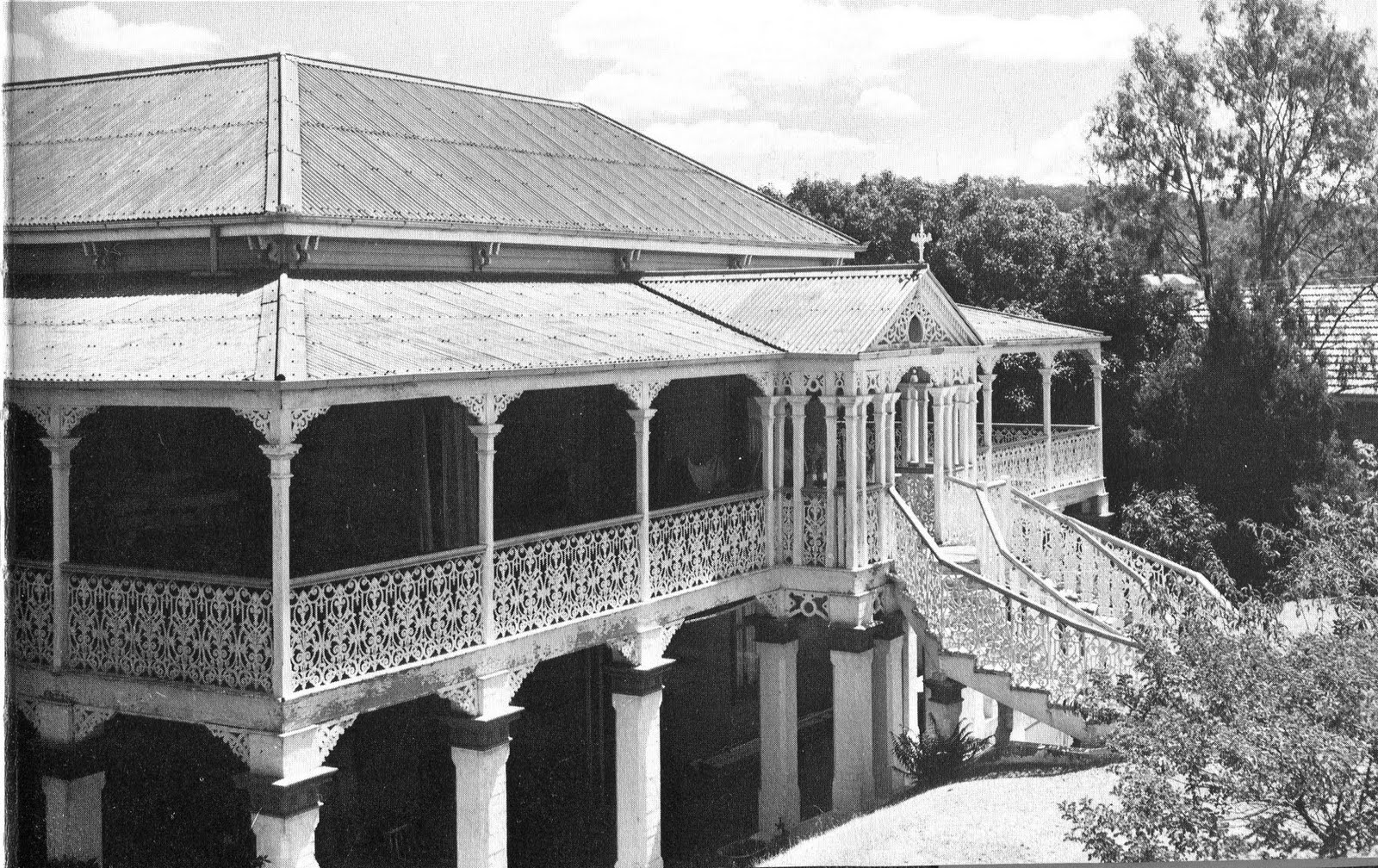 1000 images about queenslanders on pinterest for House landing