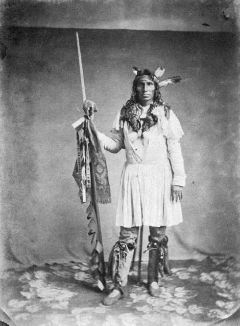 1862 the dakota war On september 23, 1862, united states troops, led by colonel henry sibley, defeated dakota warriors led by ta oyate duta (his red nation, also known as little crow) dakota at the battle of wood lake.