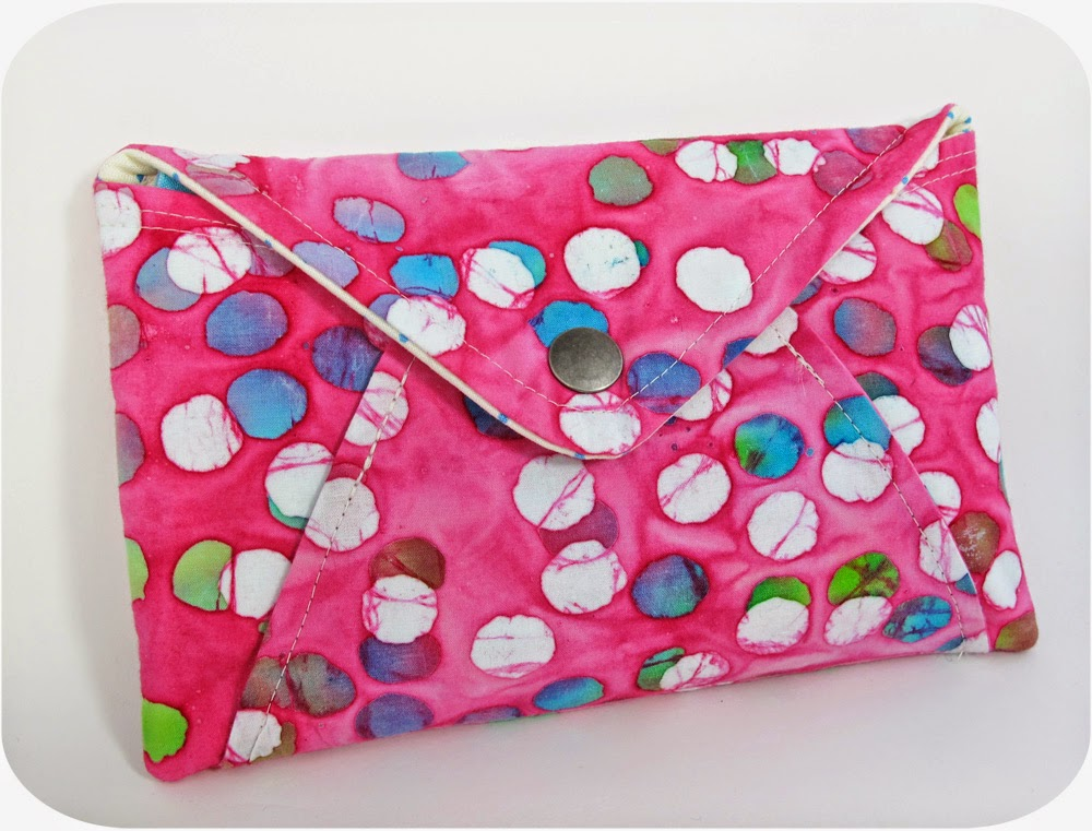 Secret Pocket Envelope Clutch - Credit Michelle Keykalou - Flickr - Hello, Handbag