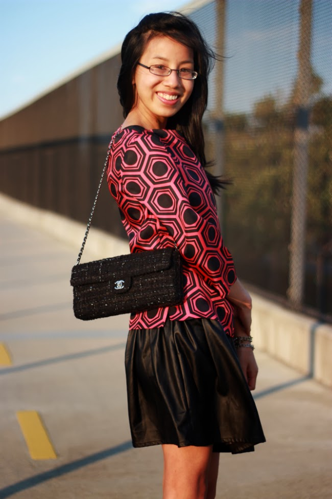 boxy shirt idea how to wear geometric shape pattern print