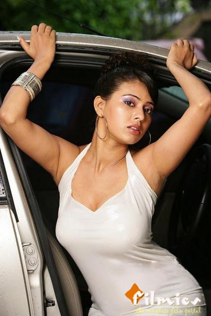Teja sree huge Cleavage images