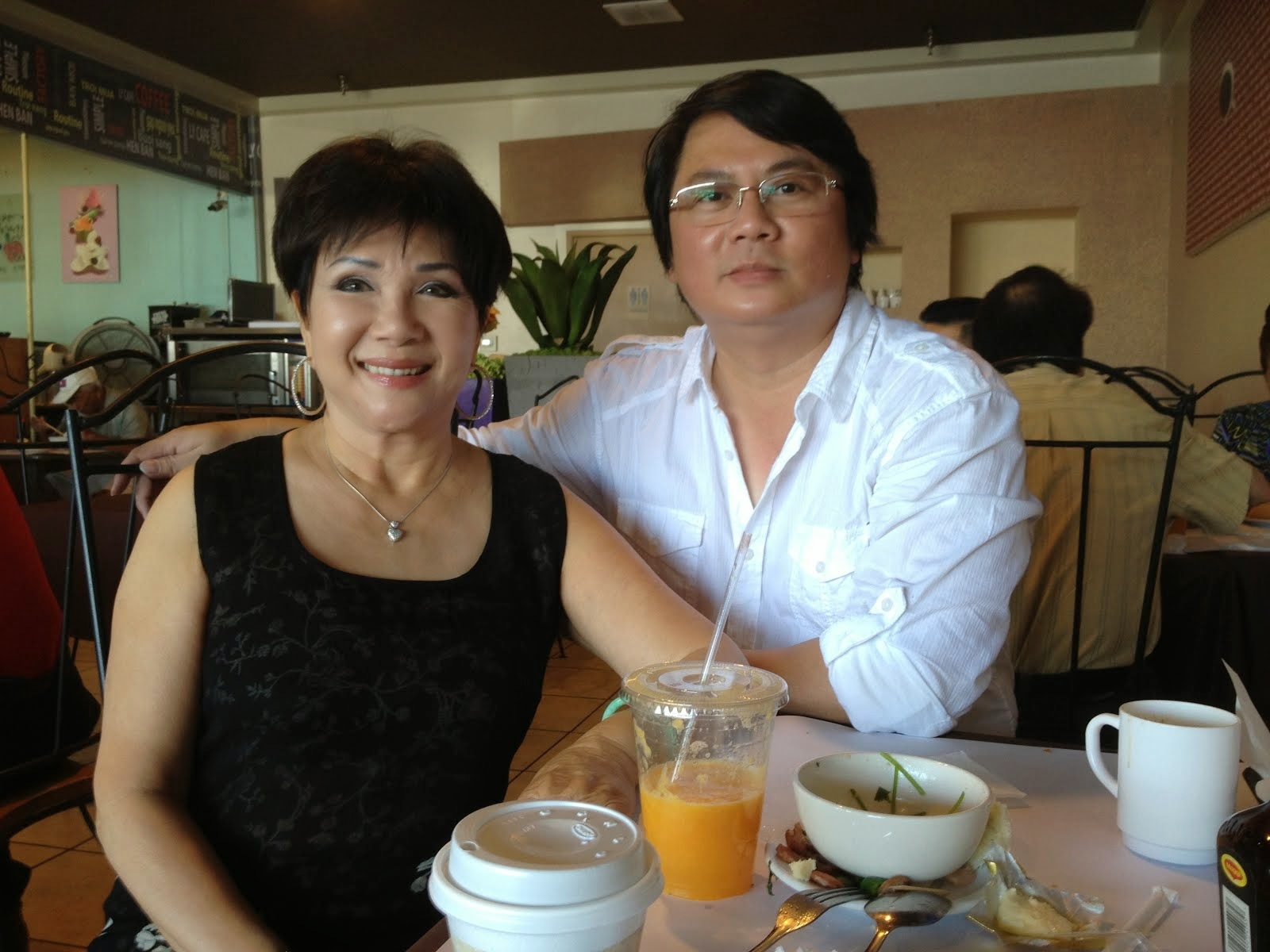 HOANG THANH TAM & LE THU in USA 2012