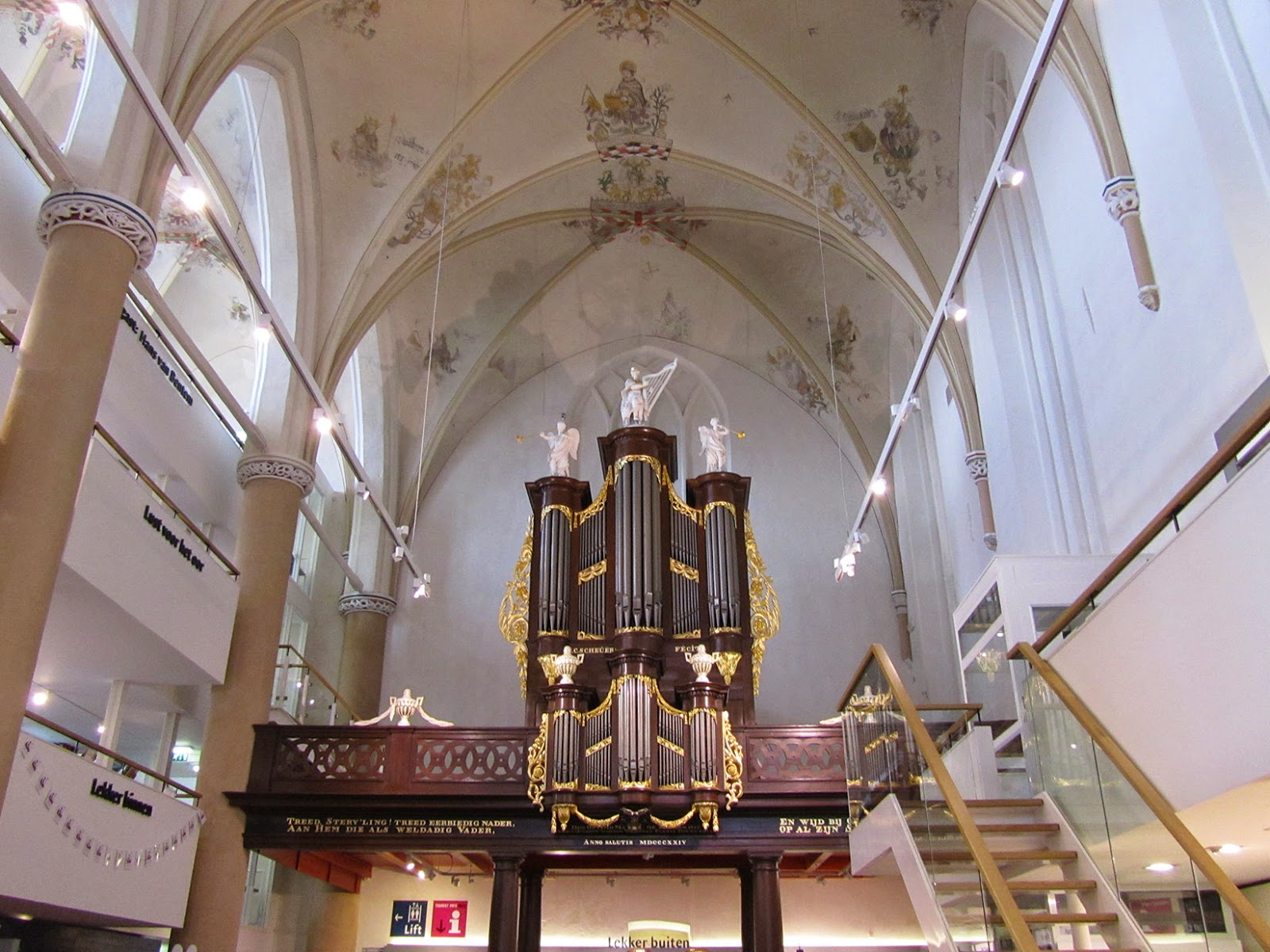 organ at Waanders in de Broeren