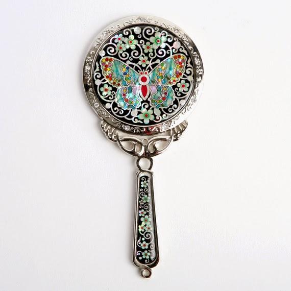 Specchio a mano in madreperla motivo farfalla antique alive arte coreana artigianato e viaggi - La mano sullo specchio ...