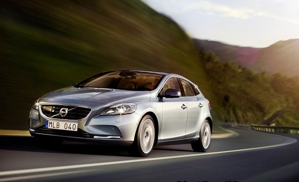 Picture 2013 New Volvo V40 hatchback test drive