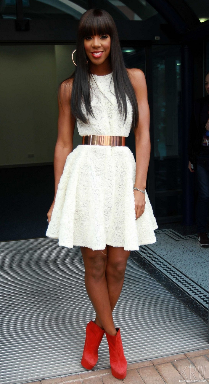 Nicki Minaj White Lace Dress a Classy White Lace Dress