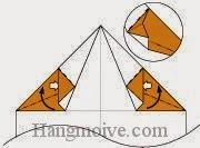 Bước 6: Mở lớp giấy từ vị trí mũi tên, kéo và gấp lớp giấy lên phía trên.