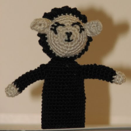 2000 Free Amigurumi Patterns: Black Sheep Finger Puppet ...