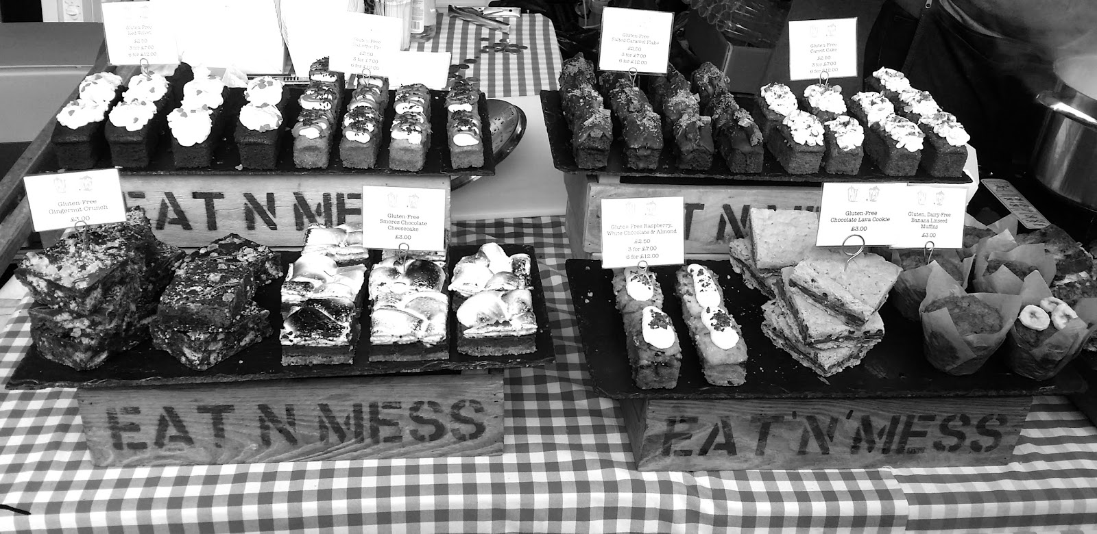 Black&White week-end Waterloo real foodmarket Southbank market London lexieblush.com2