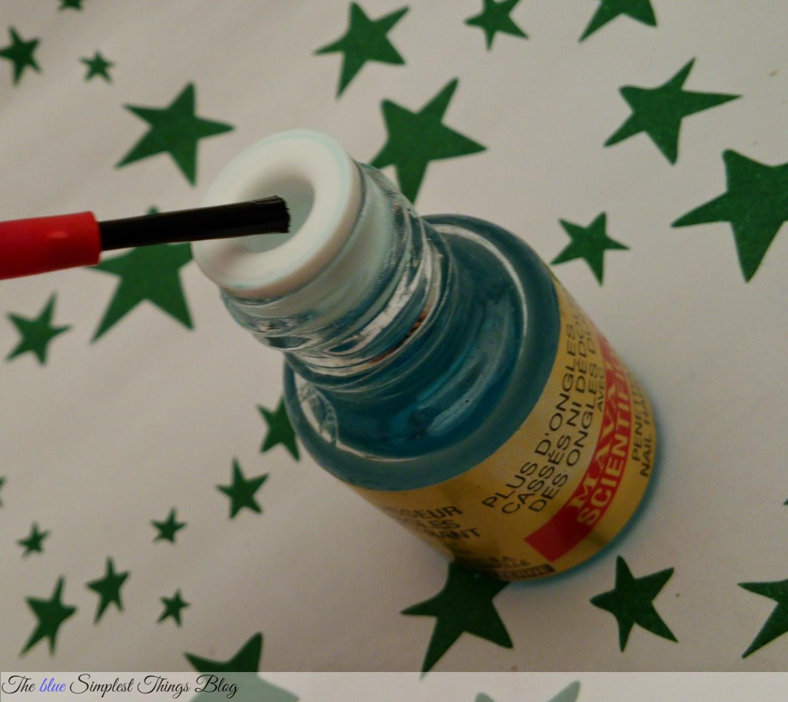 Blue Simplest by Ailen: Como reparar daño profundo en las uñas