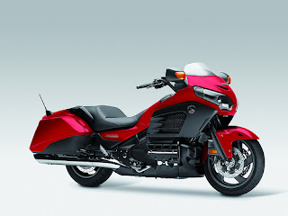 Honda-goldwing-f6b-2013