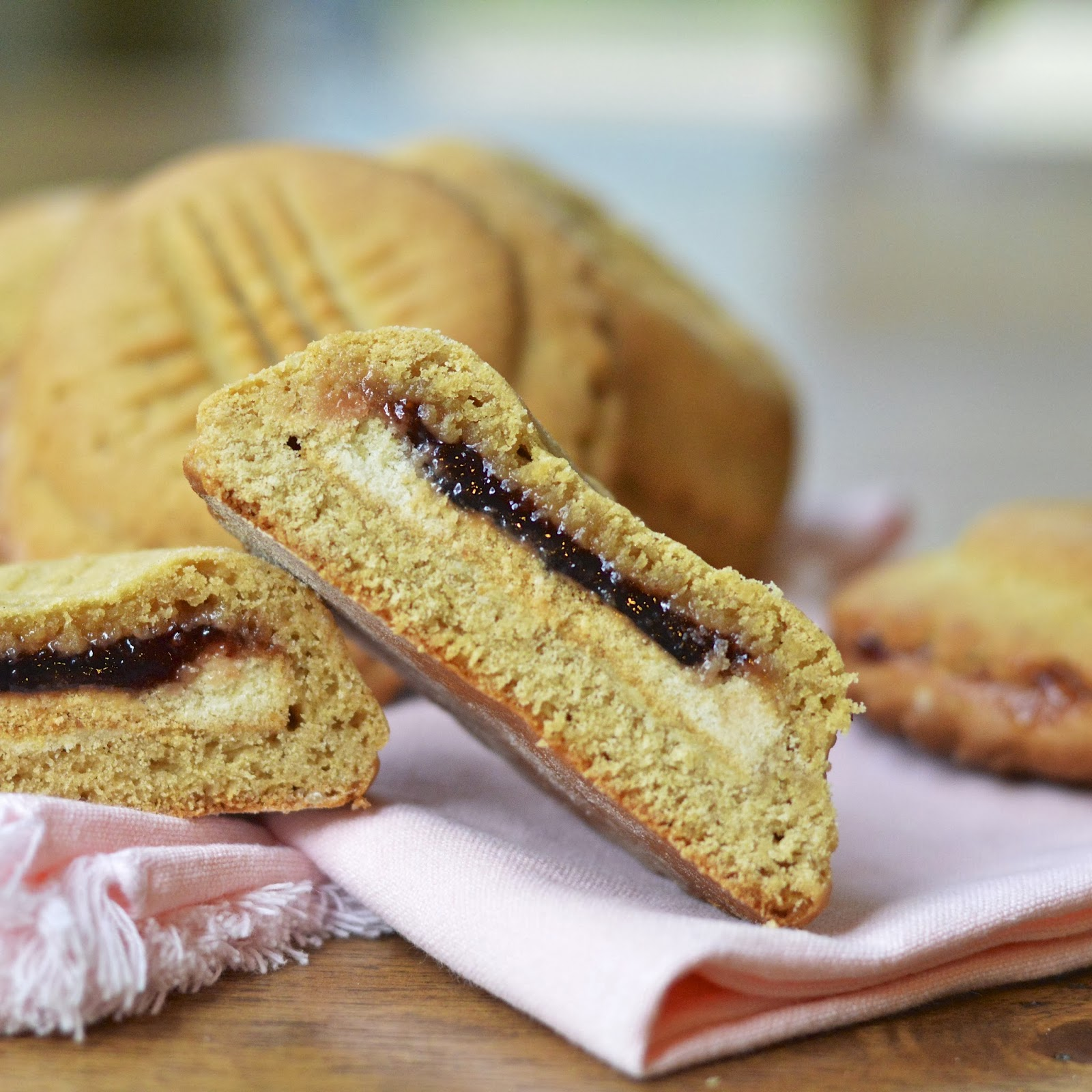 Double Stuffed Peanut Butter and Jelly Cookies | Virtually Homemade ...