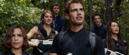 new-divergent-series-allegiant-movie-trailer-and-posters