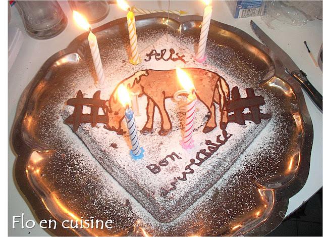 Flo en cuisine d cor cheval - Decoration gateau cheval ...