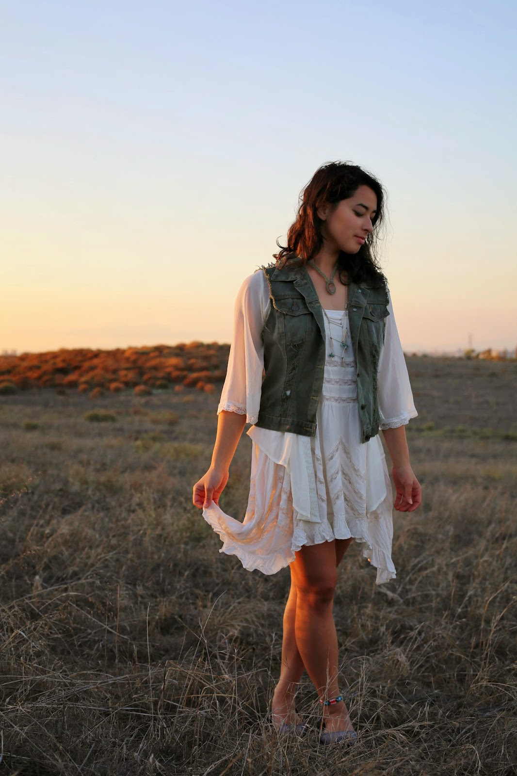Sunset fashion blogger, free people, upcycled vintage