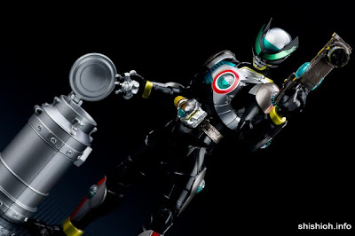 SH FiguArts Kamen Rider Birth Prototype